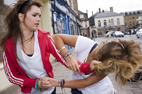 girl-fight-pic-rex-977515889-e1315326934469