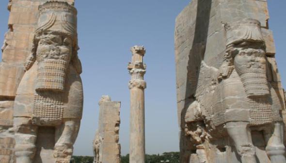 iran-persepolis-gate-1295897519