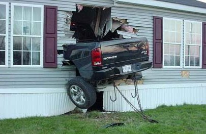 truck-crash-into-house